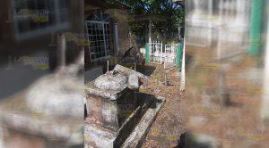 Nuevo Cementerio Municipal Revés
