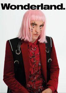 Robert Pattinson Wonderland Portada