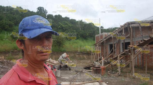 Atrasa Construcción Clínica