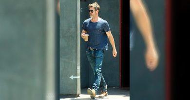 Brad Pitt Sale Joven Parecida Angelina