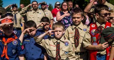 Chicas Chicos Scouts Pueden Explorar Juntos