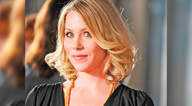 Christina Applegate Opera Prevenir Cáncer
