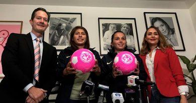 Clubes presentan campaña de 'Balón Rosa' para prevenir cáncer de mama