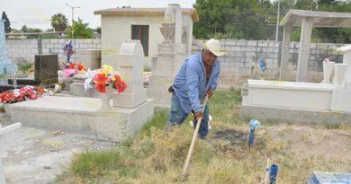 Demandan Limpieza Cementerio Municipal