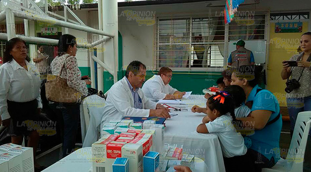 Fundación Doctor Fausto Dávila Atienden Alumnos Jardines Niños