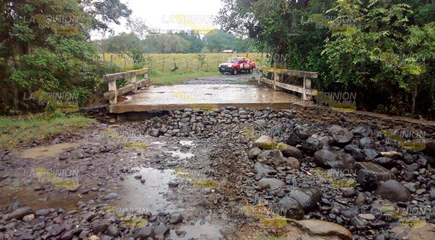 Destruirse Acceso Puente Cierran Paso La Laja