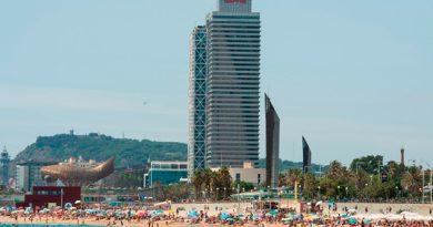 Tensión Política Ahuyenta Turístas Barcelona