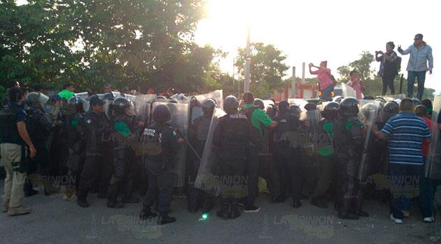 Desalojo violento de manifestantes