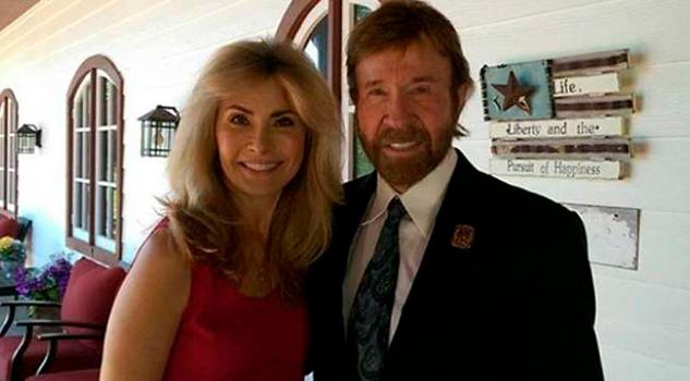 Chuck Norris Anuncia Retiro Dedicará Cuidar Esposa