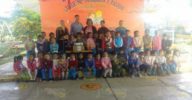 Entregan Apoyo Jardín Niños