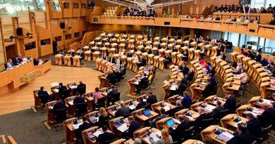 Evacuado Parlamento Escocés Paquetes Sosprechosos