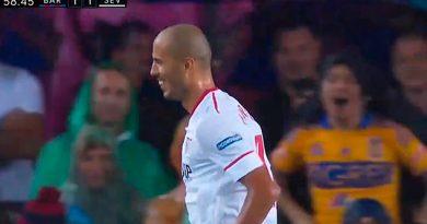 Guido Pizarro Celebra Gol Aficinado Tigres Camp Nou