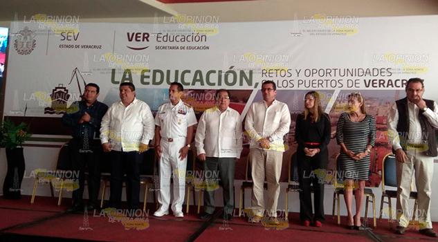 Inicia foro Educación Retos Oportunidades Puertos Veracruz