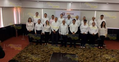 Alcalde Electo Presenta Funcionarios