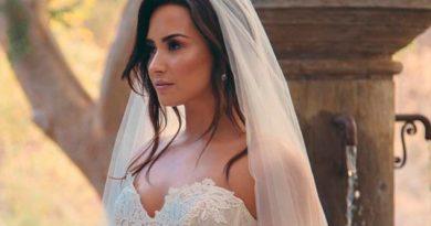 Dejan Demi Lovato Altar