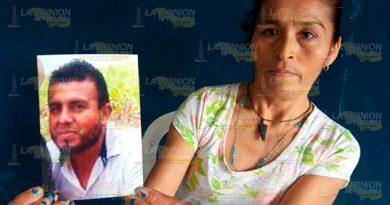 Desesperada Abuela Ayuda Localizar Nieto