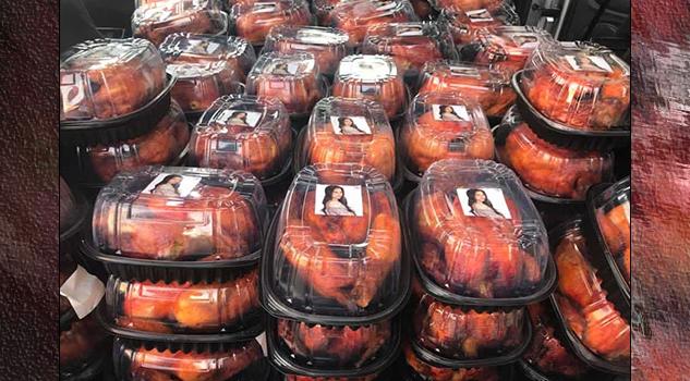 Diputada en Zacatecas regala pollos rostizados con su fotografía