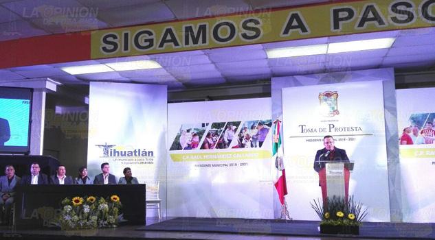 Rinde Protesta Alcalde Electo Tihuatlán