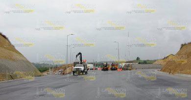 Bloquean Construcción Autopista
