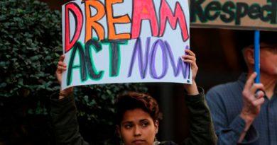 Juez Bloquea Decisión Trump Terminar DACA