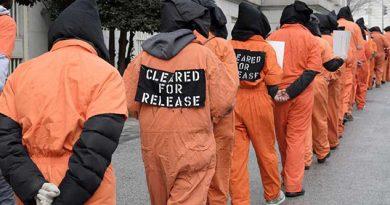 Reclaman Cierre Guantánamo Clasa Blanca