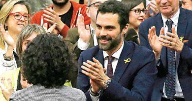 Recuperan Parlamento Cataluña