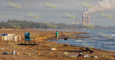 Urge Limpiar Playa