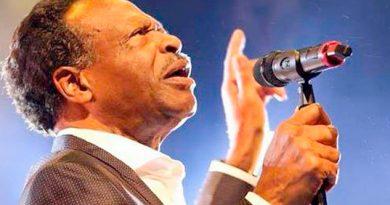 """Fallece Edwin Hawkins, cantante de soul, famoso por el tema """"Oh happy day"""""""