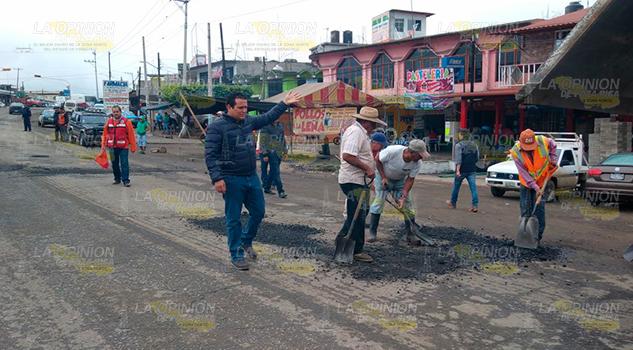 Alcalde Supervisa Trabajos Encarpetamiento