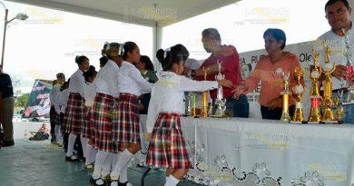Alumnos Concurso Escolta Himno Nacional