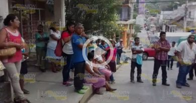 Integrantes Antorcha Campesina Manifiestan Caev