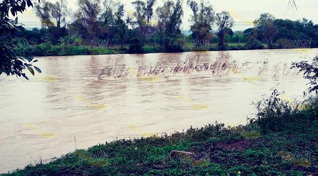 Recorre Protección Civil Río Cazones
