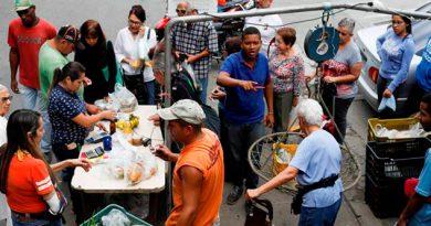 Venezolanos Acuestan Hambre