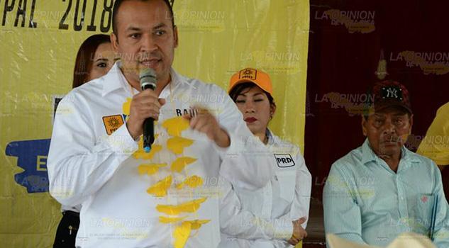Alcalde Cruza Brazos