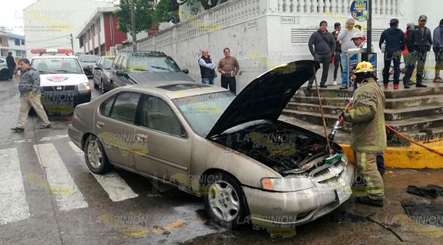 Arde Automóvil