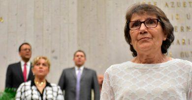 Entregan Premio Estatal Mujer María López Rica