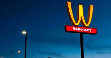 Gira McDonald's Logotipo Celebrar Mujeres