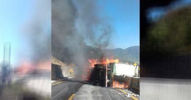 Incendia Tráiler Autopista Puebla Veracruz