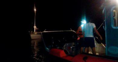 Rescata SEMAR Tripulantes Velero Cerca Isla
