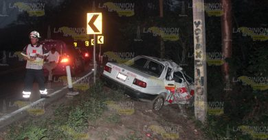 Taxi Accidenta Carretera Poza Rica Cazones