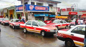 Taxistas Paralizan Zona Centro Cerro Azul