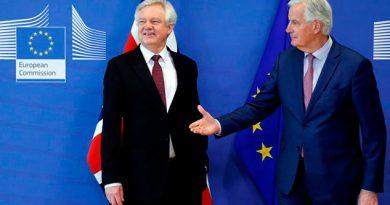UE Reino Unido Alcanzan Acuerdo Transición Post-Brexit