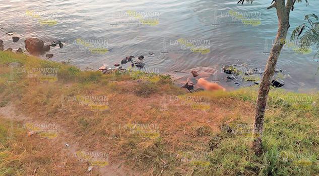 Cadáver Mujer Orillas Río