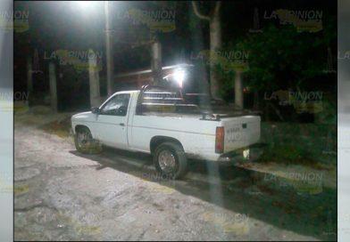 Roban camioneta con cargamento de abarrote