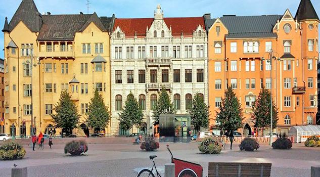 Centroeuropa: Praga y Budapest en avión, a tu aire flexible en noches