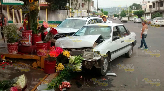 Accidente Camioneta Automóvil