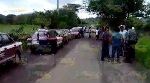 Bloquean Carretera Chaparrales