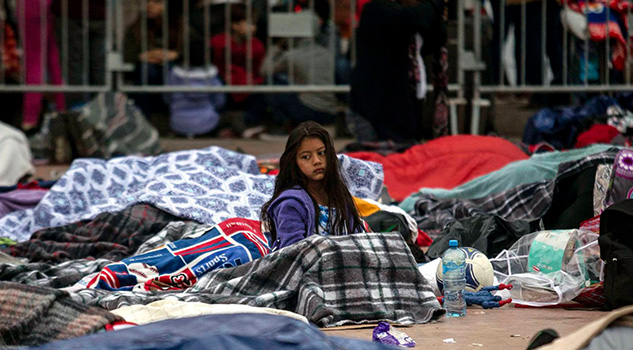 Caravana Migrantes Desborda Recursos Frontera San Diego