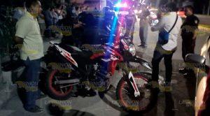 Estrella Motocicleta Contra Autos