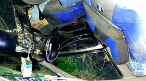 Vuelca Taxi Deja Abandonado